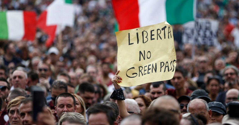 I No Green pass non fermano l'Italia, a Trieste va avanti il presidio